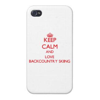 Guarde la calma y ame el esquí de Backcountry iPhone 4 Cárcasa