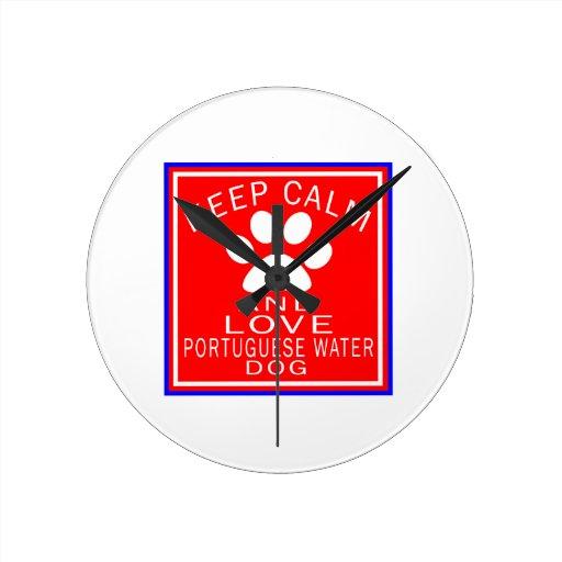 Guarde la calma y ame el perro de agua portugués relojes