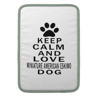 Guarde la calma y ame el perro ESQUIMAL AMERICANO  Funda MacBook