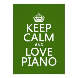 Guarde la calma y ame el piano (cualquier color de invitaciones personalizada