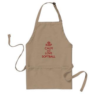 Guarde la calma y ame el softball delantal
