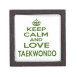 Guarde la calma y ame el Taekwondo Caja De Joyas De Calidad