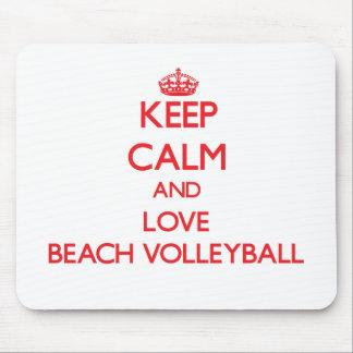 Guarde la calma y ame el voleibol de playa alfombrillas de ratones