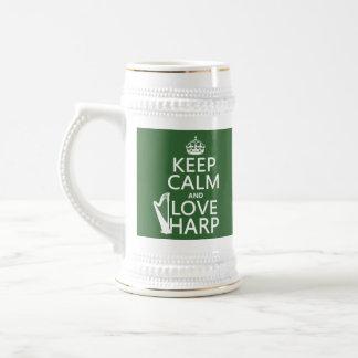 Guarde la calma y ame la arpa (cualquier color de jarra de cerveza