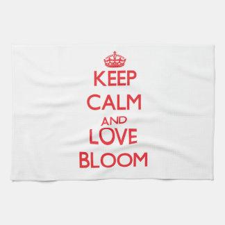 Guarde la calma y ame la floración toalla de cocina