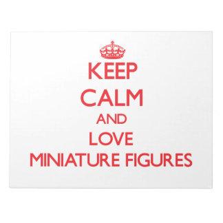 Guarde la calma y ame las figuras miniatura libreta para notas
