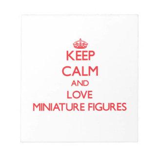 Guarde la calma y ame las figuras miniatura libretas para notas