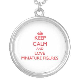 Guarde la calma y ame las figuras miniatura collares personalizados