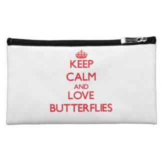Guarde la calma y ame las mariposas