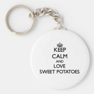 Guarde la calma y ame las patatas dulces llaveros personalizados