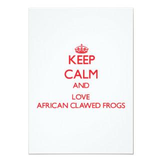 Guarde la calma y ame las ranas agarradas africano invitación 12,7 x 17,8 cm