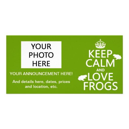 Guarde la calma y ame las ranas (cualquier color d tarjeta fotográfica