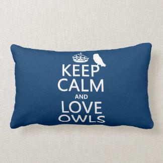 Guarde la calma y ame los búhos (cualquier color) almohadas