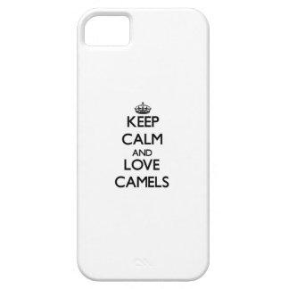 Guarde la calma y ame los camellos iPhone 5 funda