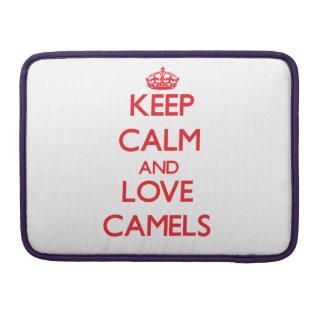 Guarde la calma y ame los camellos funda para macbook pro