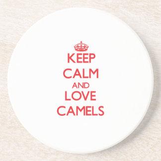 Guarde la calma y ame los camellos posavasos manualidades