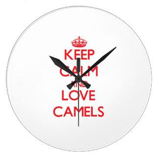Guarde la calma y ame los camellos reloj