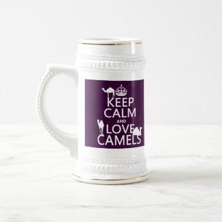 Guarde la calma y ame los camellos (todos los jarra de cerveza