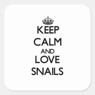 Guarde la calma y ame los caracoles pegatina cuadrada