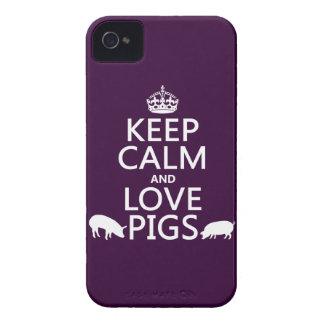 Guarde la calma y ame los cerdos (todos los colore iPhone 4 Case-Mate protectores