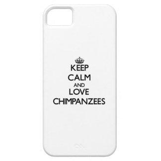 Guarde la calma y ame los chimpancés iPhone 5 Case-Mate coberturas