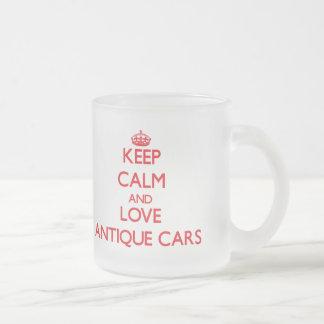 Guarde la calma y ame los coches antiguos taza de cristal