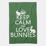 Guarde la calma y ame los conejitos - todos los co toalla de mano