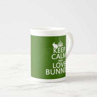 Guarde la calma y ame los conejitos - todos los co taza de porcelana