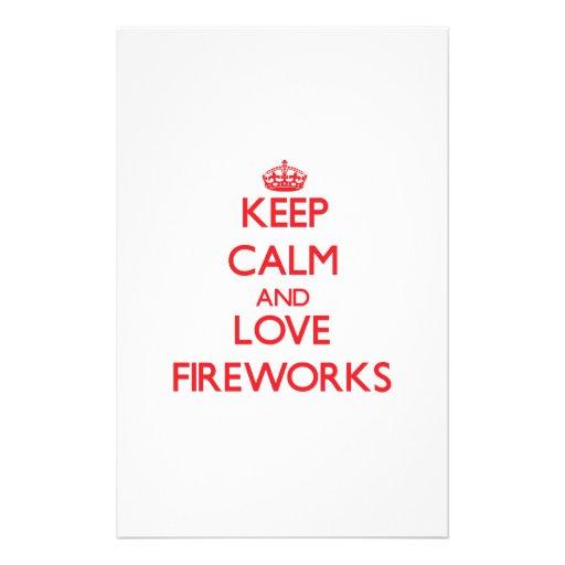 Guarde la calma y ame los fuegos artificiales papelería de diseño