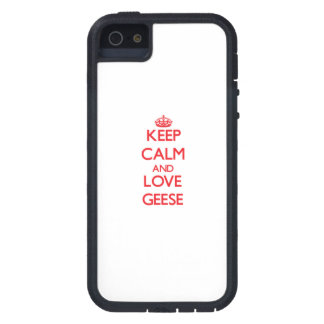 Guarde la calma y ame los gansos iPhone 5 Case-Mate carcasa