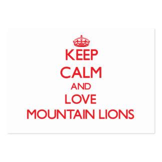 Guarde la calma y ame los leones de montaña tarjeta de visita