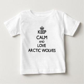 Guarde la calma y ame los lobos árticos tee shirt