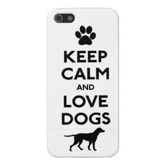 Guarde la calma y ame los perros iPhone 5 funda