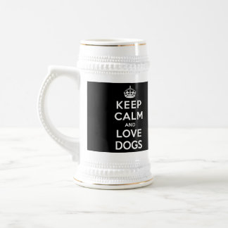 Guarde la calma y ame los perros jarra de cerveza