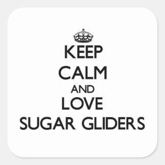 Guarde la calma y ame los planeadores del azúcar pegatina cuadrada