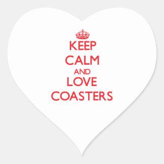 Guarde la calma y ame los prácticos de costa pegatina en forma de corazón