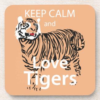 Guarde la calma y ame los tigres posavasos de bebidas