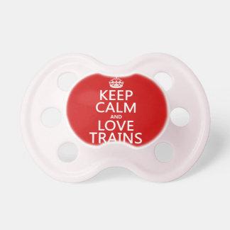 Guarde la calma y ame los trenes (los colores adap chupete de bebe