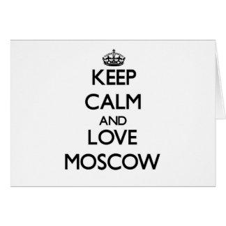 Guarde la calma y ame Moscú Tarjetón