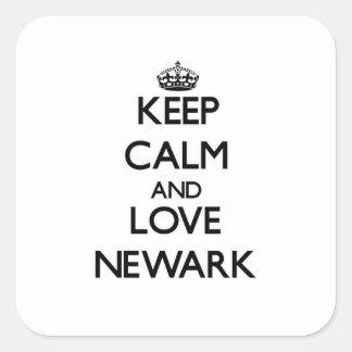 Guarde la calma y ame Newark Pegatina Cuadrada