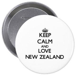Guarde la calma y ame Nueva Zelanda Pin