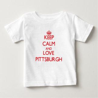 Guarde la calma y ame Pittsburgh Poleras