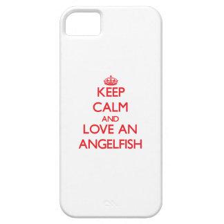 Guarde la calma y ame un Angelfish iPhone 5 Case-Mate Protector