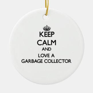 Guarde la calma y ame un colector de basura adorno navideño redondo de cerámica