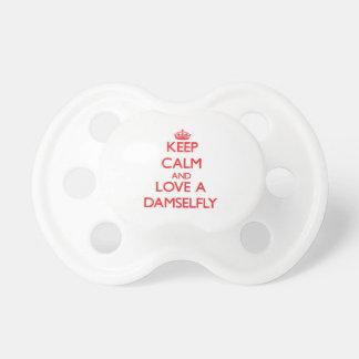 Guarde la calma y ame un Damselfly