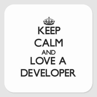 Guarde la calma y ame un desarrollador pegatina cuadrada