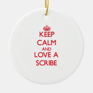 Guarde la calma y ame un escribano ornamento para arbol de navidad