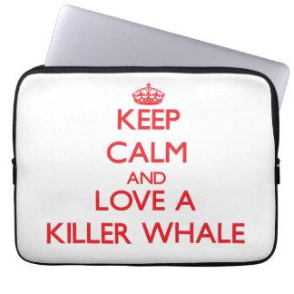 Guarde la calma y ame una orca funda computadora