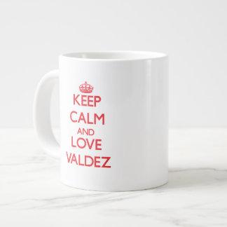 Guarde la calma y ame Valdez Tazas Extra Grande