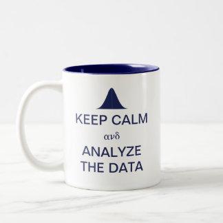Guarde la calma y analice las estadísticas de los taza de dos tonos